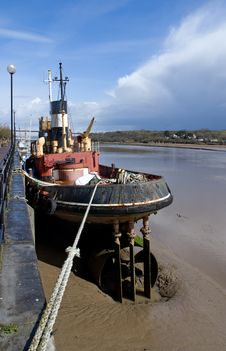 Free Tug Boat At Low Tide Stock Photos - 13804223