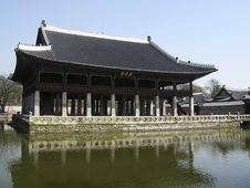 Free Ancient Building At The Palace Of Korea Royalty Free Stock Images - 13807709