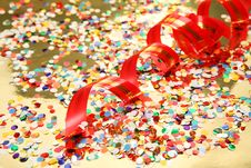 Free Confetti And Streamer Royalty Free Stock Image - 13812306