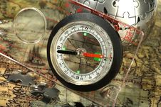 Free Compass On The Old Map Royalty Free Stock Photos - 13814438