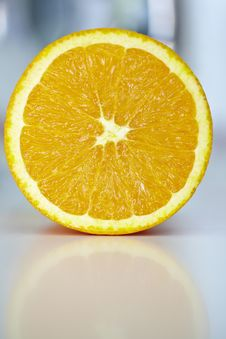 Free Orange Fruit Half With Reflection Royalty Free Stock Images - 13814529