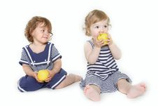 Free Two Toddler Girls With Green Apples Royalty Free Stock Photography - 13817107