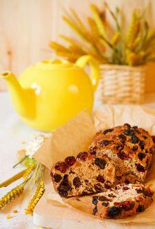 Free Traditional  Homemade Fruitcake Royalty Free Stock Image - 13817166