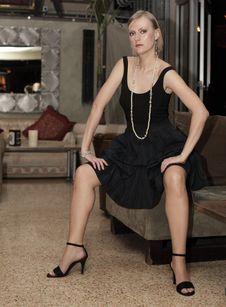 Free BEautiful Woman At A Lounge Stock Image - 13823211