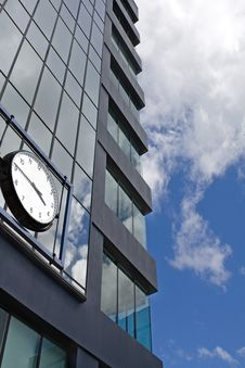 Free Office Building And Clock Royalty Free Stock Image - 13824636