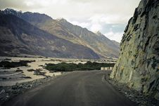 Free Curve On Mountain Road In Himalaya. Royalty Free Stock Photos - 13826968
