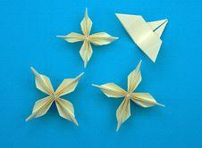 Free Origami Flowers Stock Photo - 13828880