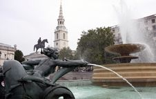Free Trafalgar Square Waterfall Royalty Free Stock Image - 13831006