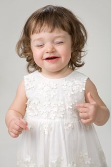 Free Little Girl Laughing Royalty Free Stock Photography - 13831537