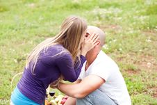Free An Attractive Couple Sharing A Passionate Kiss Royalty Free Stock Photography - 13836167