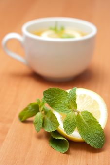 Free Tea With Mint And Lemon Stock Images - 13837724