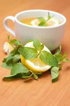 Free Tea With Mint And Lemon Royalty Free Stock Photos - 13837938