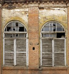 Free Old Windows Shutters Stock Images - 13841574