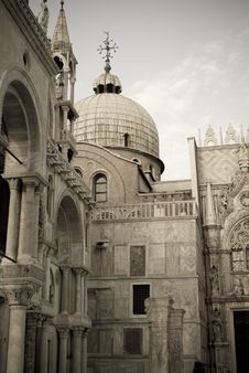Free Walls Of San Marco Cathedral Royalty Free Stock Photos - 13845988