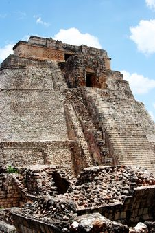 Free Pyramid In Uxmal, Mexico Royalty Free Stock Photo - 13846085