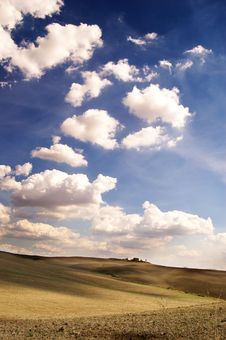 Free Cloudy Landscape Royalty Free Stock Photo - 13846785