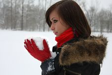 Free Girl With Snow In Her Red Gloves Stock Photos - 13846973