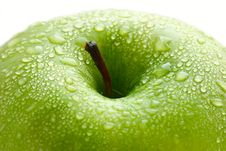 Free Water Drops On Ripe Apple Stock Photos - 13847533
