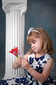 Free Portrait Of Pretty Little Girl Royalty Free Stock Photography - 13848367