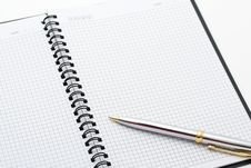 Free Close-up Of Pen And Note On Table. Royalty Free Stock Photography - 13850327