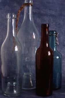 Free Empty Bottles Royalty Free Stock Photography - 13851657