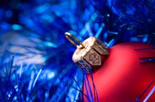 Free Red Bauble Stock Photo - 13852690
