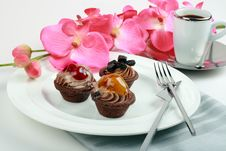 Free Fruit Tarts And Espresso Elegance Presentation Royalty Free Stock Photos - 13853258