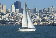 Free Sailing In Front Of San Francisco Royalty Free Stock Images - 13858369
