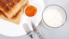 Free Toasted Wholewheat Bread And Sweet Orange Jam Royalty Free Stock Photography - 13859547
