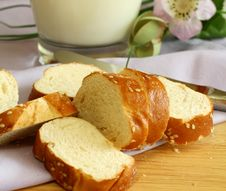Free White Bread With Sesame Royalty Free Stock Images - 13860659