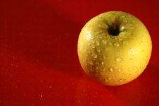 Free Yellow Apple Royalty Free Stock Photos - 13862268