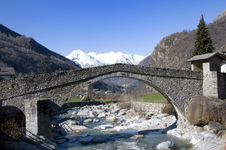 Free Roman Bridge Stock Images - 13863464