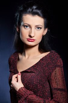 Free Portrait Of Attractive Young Woman Royalty Free Stock Images - 13863599