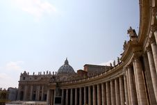Free Vatican Sqare Royalty Free Stock Photo - 13864775