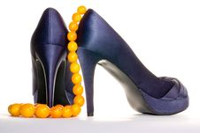 Free Purple Shoes And Amber Necklace Stock Photography - 13866122
