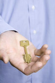 Free House Key In Palm Royalty Free Stock Images - 13867039