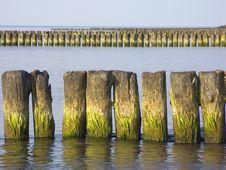 Free Sea. Breakwater Royalty Free Stock Photo - 13868085
