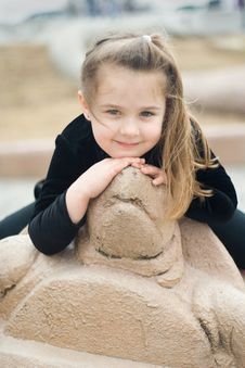 Free Portrait Of A Girl & Turtle Statue Stock Photography - 13870252