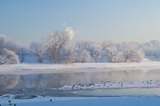 Free River And Hoarfrost Stock Images - 13871484