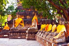 Free Buddha Statues At The Temple Of Wat Yai Chai Mongk Stock Images - 13871654