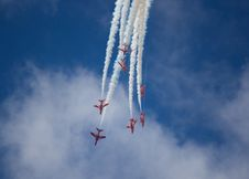 Free Red Arrows Stock Photography - 13873422