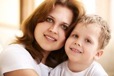 Free Mother Hugging Her Little Son Royalty Free Stock Photography - 13873547