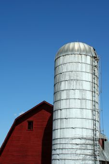 Free Red Barn And Silo Stock Photos - 13875763