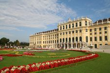 Free Balance Color Of Schoenbrunn Palace Stock Photos - 13876143