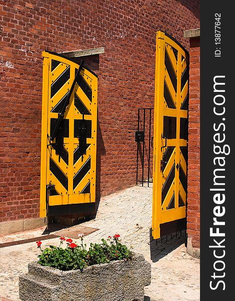 Yellow gate