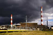 Free Smokestack, Line Factory And Dark Clouds Stock Images - 13884904