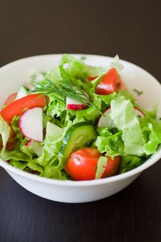 Free Fresh Salad Royalty Free Stock Photography - 13887117