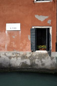 Windows Above A Backwater, Venice Royalty Free Stock Image
