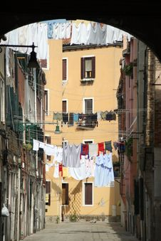 Free Laundry Drying In Venice Backstreet Stock Photos - 13887923