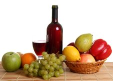 Free Wine And Fruit Royalty Free Stock Photos - 13889568